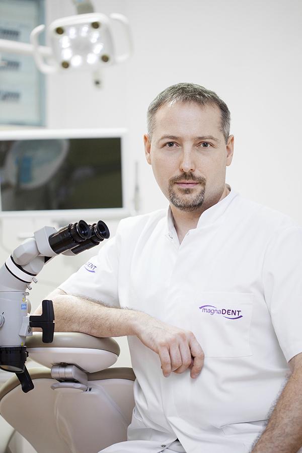 leczenie kanałowe pod mikroskopem Kraków